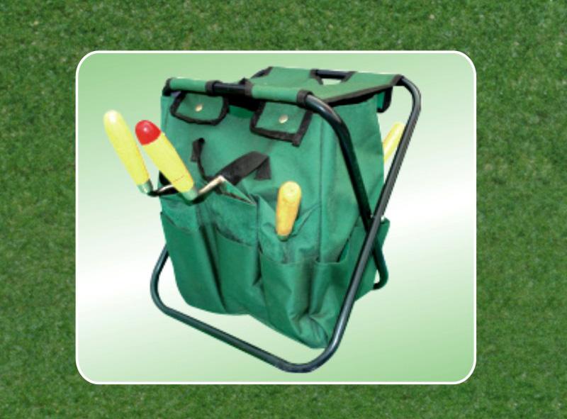 Klappbarer Gartenhocker mit abnehmbarer Werkzeugtasche